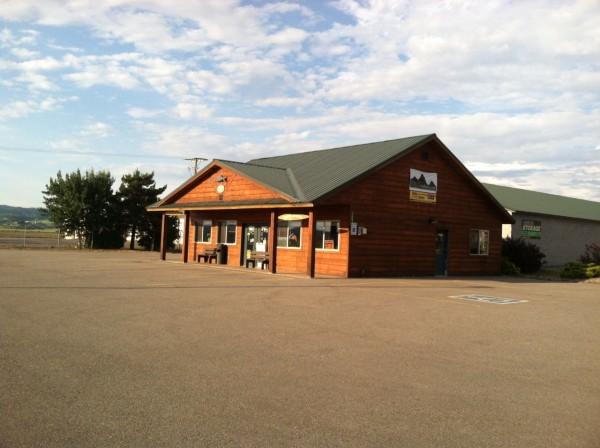 Ashton Fly Shop & Liquor Store